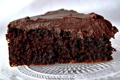 Gâteau au chocolat et vin rouge